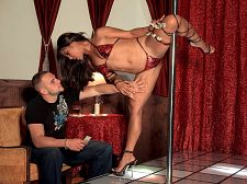 Strip Exotic dancing club Leg Vixen